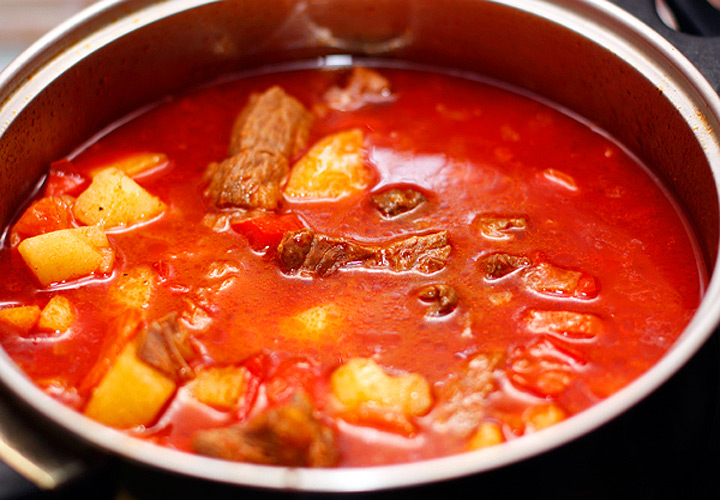 Гуляш из говядины по-венгерски рецепт пошагово