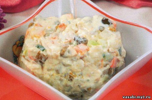 1. салат мясной.  400 г мяса, 3 шт. картофеля, морковь, 2-3 соленых огурца, 1 свежий огурец, 3 яйца, пол-яблока...